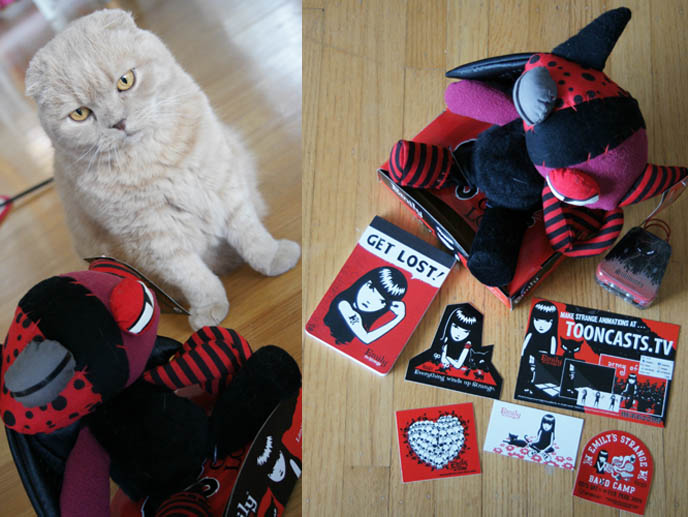 Goth creepy stuffed toy, Scottish Fold plush animal or doll. Emily the Strange gothic accessories, toys, hoodies and clothing for young girls.