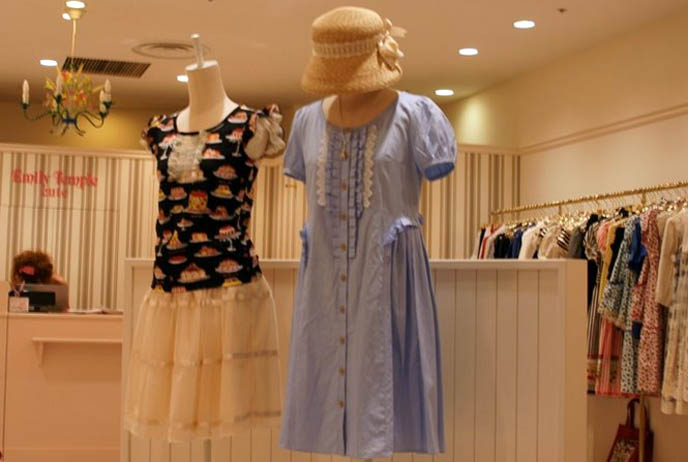 Emily Temple Cute dresses, sweet and gothic lolita boutique photos at Marui One department store Tokyo. Where to buy Lolita fashion in Japan, kawaii clothing store and shopping, baby girls clothes.