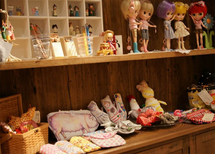 Blythe and kewpie dolls in Japan, ball jointed dolls, bjd, shop for kawaii toys and dollfies at Tokyo shopping center Marui One 0101.