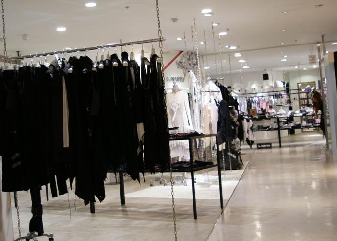 ロリータ・ファッション h.NAOTO store in Marui One Shinjuku. Store photos of h.NAOTO Frill, Goth dresses, Gothic Lolita lace dresses, neo Victorian couture, retro costumes.