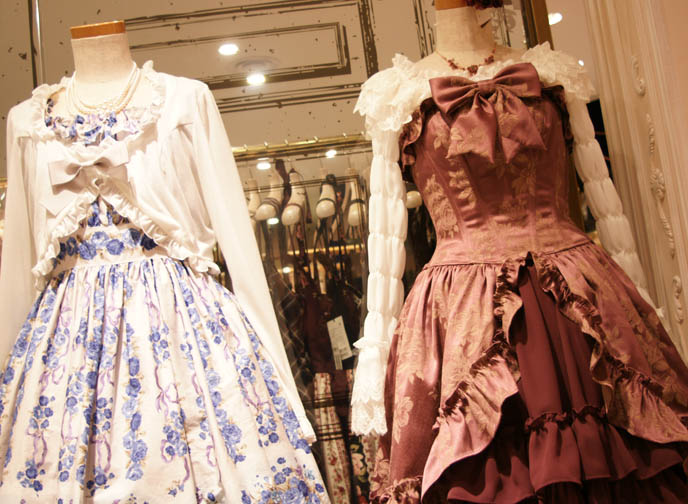 kera shop angel at new renovated marui one, moi meme moitie by Mana Sama, where to buy moi meme moitie in Tokyo japan. pretty lace Lolita dress sets, lace tops with cardigans, bows, flower skirts with with lace and built in corset.  Classical Lolita ロリータ・ファッション