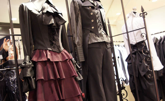 Atelier Boz boystyle, kodona, male Gothic Lolita fashion, goth aristocrat, elegant gothic lolita, EGL EGA, Marui One J-rock style clothing and top hats, mature Goth clothes, designer Japanese Goth. ロリータ・ファッション
