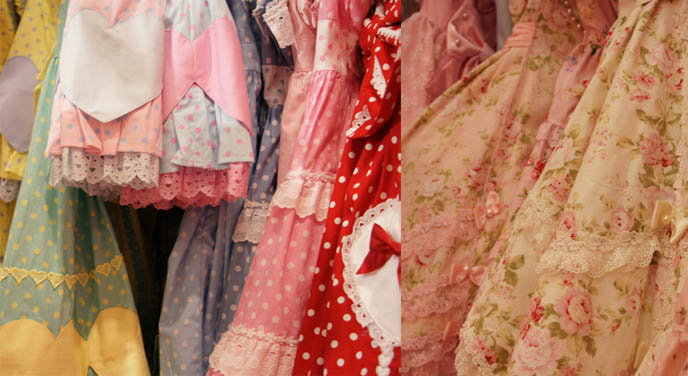 Angelic Pretty sweet lolita dresses, cute pretty JSK, one piece, jumpers, heart prints, pastel color Lolita dresses for young women and girls. flower patterns, country lolita, retro 1950s dresses. Sweet Rorita