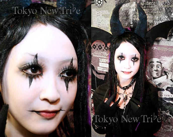 Pierrot Clown Doll. Cute Goth pierrot clown makeup