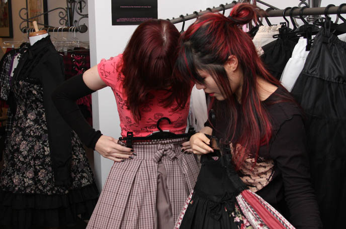 TOKYO REBEL: GOTHIC LOLITA SHOP IN NEW YORK CITY. NYC LOLITAS SHOPPING, GOTH PUNK STORES. Where to buy Harajuku clothes, sweet lolita dresses in America, New York, best lower east side shopping, east village boutiques, alternative stores st marks place, La Carmina, Japanese fashion stores, guide to egl clothing, map, goth lolita style, rococo punk shops