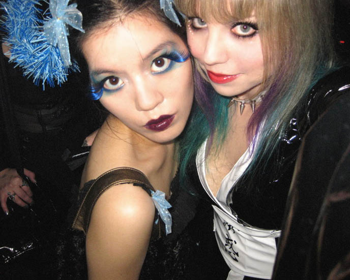 BLUE TOKYO: COOL NIGHTLIFE PHOTOGRAPHY. JAPAN AFTER DARK, GLOWING NEON LIGHTS, WALRUS & HIS BUCKET. jpop cosplay Japan, world's weirdest strangest restaurants