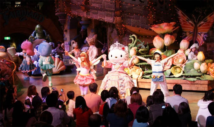 SANRIO PUROLAND, HELLO KITTY THEME PARK IN TOKYO, JAPAN. STRANGE KIDS AMUSEMENT PARK, HELLO KITTY RIDES, COSTUMES & MUSICAL PERFORMANCES. strangest theme parks in the world, hello kitty rainbow