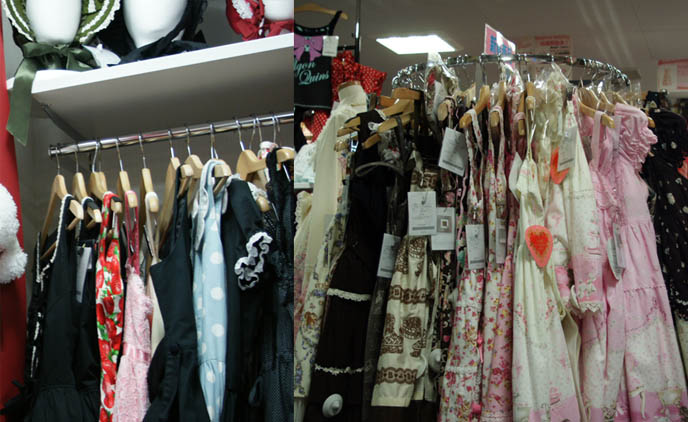 japanese cute lolita dresses, SECONDHAND lolita clothes egl sales, IKEBUKURO CLOSET CHILD: VINTAGE GOTHIC LOLITA CLOTHING IN TOKYO, JAPAN. WHERE TO BUY EGL USED CLOTHES. harajuku, shinjuku shopping guide and maps, goth lolita punk stores in tokyo, baby the stars shine bright, moi-meme-moitie, angelic pretty, innocent world, victorian maiden, metamorphose temps de fille, sweet loli