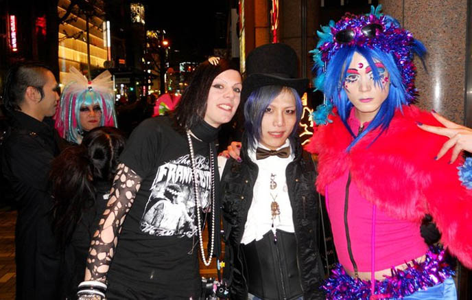 japanese man wearing bowler hat, tranny gay clubs in japan, corset and bow tie, steampunk boys, blue hair japanese boy in top hat, STEAMPUNK IN JAPAN! KENNY CREATION: ELEGANT GOTH ARISTOCRAT FASHION, HARAJUKU MENS CLOTHING & STREET STYLE. steampunk clothing where to buy, shopping, Victorian mens vests and goggles