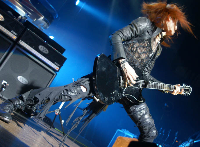 sugizo guitarist violinist x japan, 杉原有音 Sugihara Yūne photos canada concert, movie dvd tour video, yoshiki at drum kit standing, hot jrockers, cute jrock boys, X JAPAN LIVE PERFORMANCE PHOTOS,  CONCERT REVIEW photos of yoshiki, NORTH AMERICAN TOUR 2010, VANCOUVER. drummer pianist japanese rock stars YOSHIKI, TOSHI, SUGIZO. heath, pata, x japan concerts stage outfits, jrock concert, エックス ジャパン, visual kei artists bands music, buy j-rock tours concerts, xjapan tickets