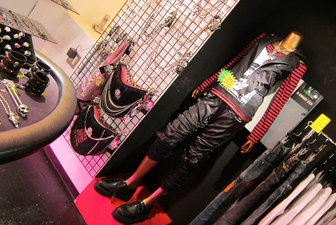 SEX POT REVENGE HARAJUKU, BUY PUNK CLOTHING JAPAN. Male rock jrock clothes, boutiques, sexpot fashion girls, sexy alternative models, HANGRY & ANGRY H.NAOTO POP UP STORE, STUDIO ALTA. cute kawaii cats brand mascots, japanese gal gyaru shops, shinjuku tokyo