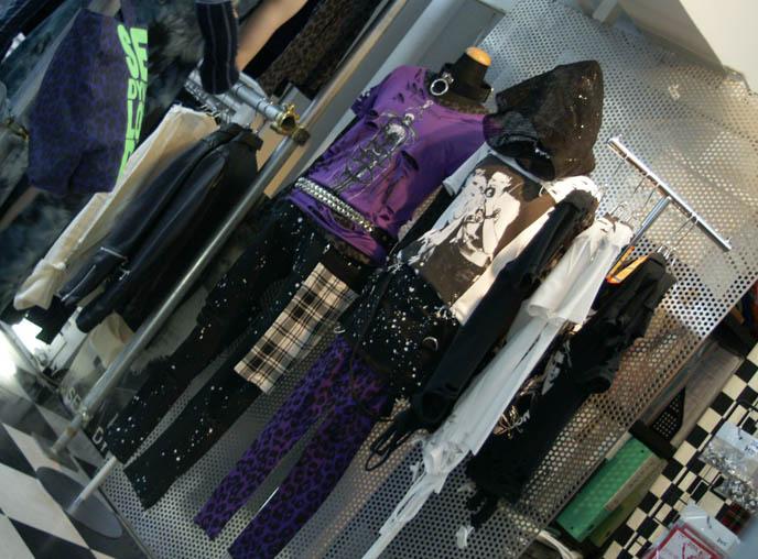 JAPANESE MENS & WOMENS PUNK CLOTHING BRAND, SEXY DYNAMITE LONDON & STIGMATA. OSAKA GOTH LOLITA SHOPPING, BUYING CLOTHES ONLINE. osaka gothic lolita shopping online, osaka goth alternative stores, punk clothing, SDL, stigmata, boys mens shops, accessories shinsaibashi, kansai, osaka shopping district guide, where to buy women's clothes, americamura, japanese korean clothes wholesale, retailers, buying from websites japan, harajuku girls brands, mod london clothes