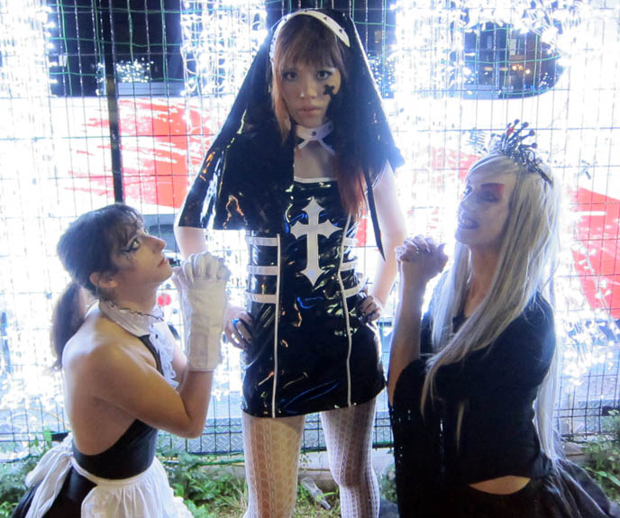 TORTURE GARDEN JAPAN: HALLOWEEN FETISH BDSM PARTY, AKASAKA EREBOS IN TOKYO. 着ぐるみ KIGURUMI & SEXY JAPANESE GIRLS IN LEATHER. goth clubs shinjuku, gothic lolita punk events, s&m, slaves, alternative parties, nightlife, nightclubs tokyo