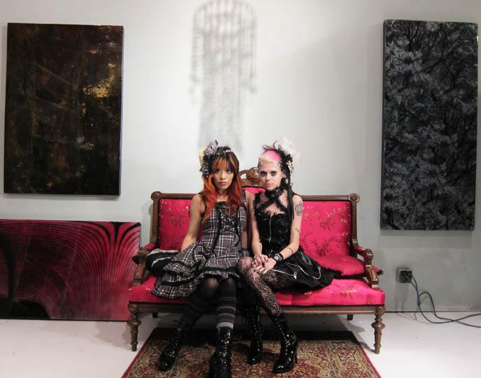 GOTHIC LOLITA TWIN GIRLS PHOTOSHOOT, UNDEAD JAPANESE BJD DOLLS ...