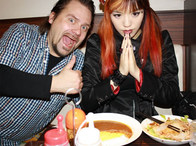 co co curry, coco curry, coco ichiban, eating japanese curry at restaurant, tokyo best curry cafe, Per Heimly photographer, LA WEEKLY SLIDESHOW: 30-PHOTO FEATURE ON CARMINA & SEBA! NORWAY TV SHOW I HOSTED ABOUT TOKYO, ARI & PER, AIRS FEB 25 ON NRK. Ari og Per, Ari Behn og Per Heimly reiser verden rundt og treffer folk som lever mot normalen. I kveldens program oppsøker de det mannlige geishamiljøet i Tokyo, og prøver selv rollen som verter. Prince of Norway, Programmer, famous Norwegians, travel tv show, european tv hosts, japanese pop culture, weird japan